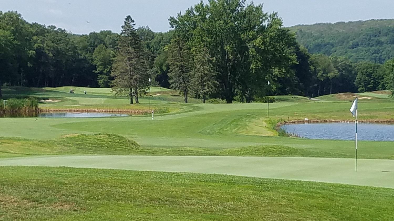 Mohegan Sun Golf Club in Baltic Connecticut 18th Green